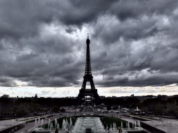 france.paris.fall2013.tales_of_the_city.eiffel_tower.haruka_yokotsuka.0