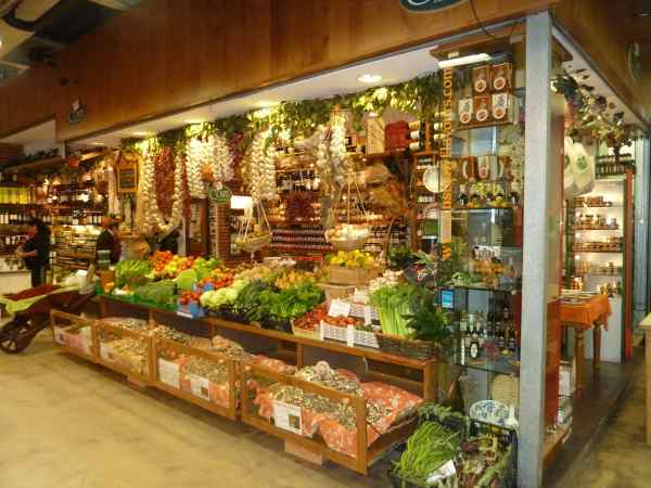 Another picture of the Central Market! Isn't is beautiful!