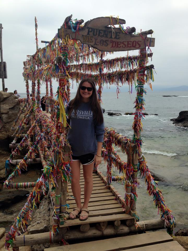 Bridge of Wishes, Horcón Beach
