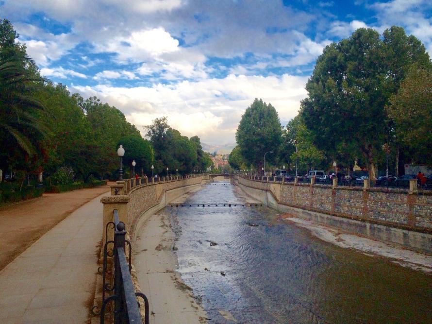 Rio Genil, passing through the city center