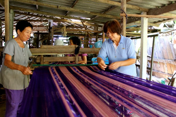 Traditional Weaving, Banthi, Thailand - Manning - Photo 7