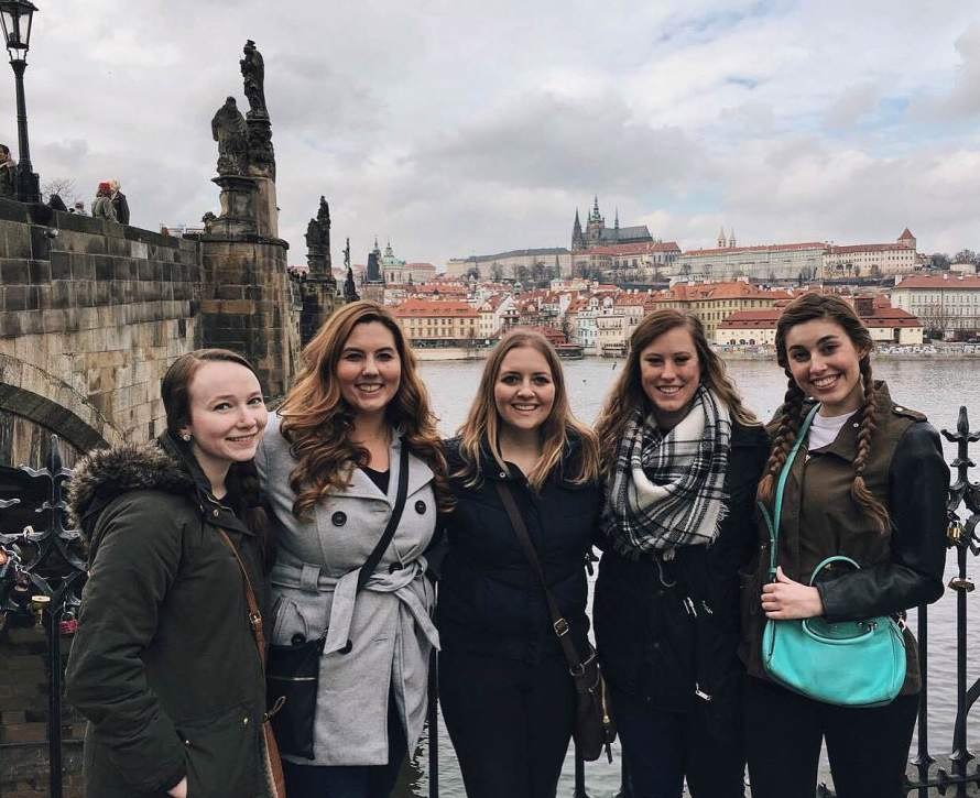 New friends in new places: exploring the Charles Bridge