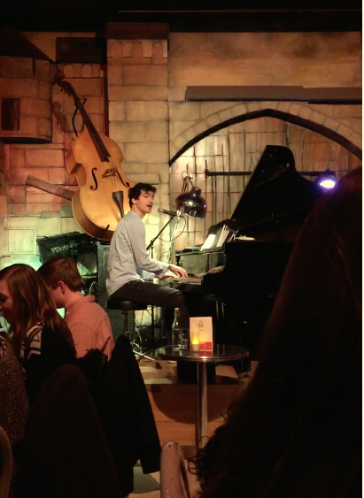 Eating out is always a mystery. The restaurant 'O Comptoir' played live music throughout the whole course of dinner. The musician encouraged requests and even had one of the ISA students perform. I was a great welcome dinner from ISA Paris.