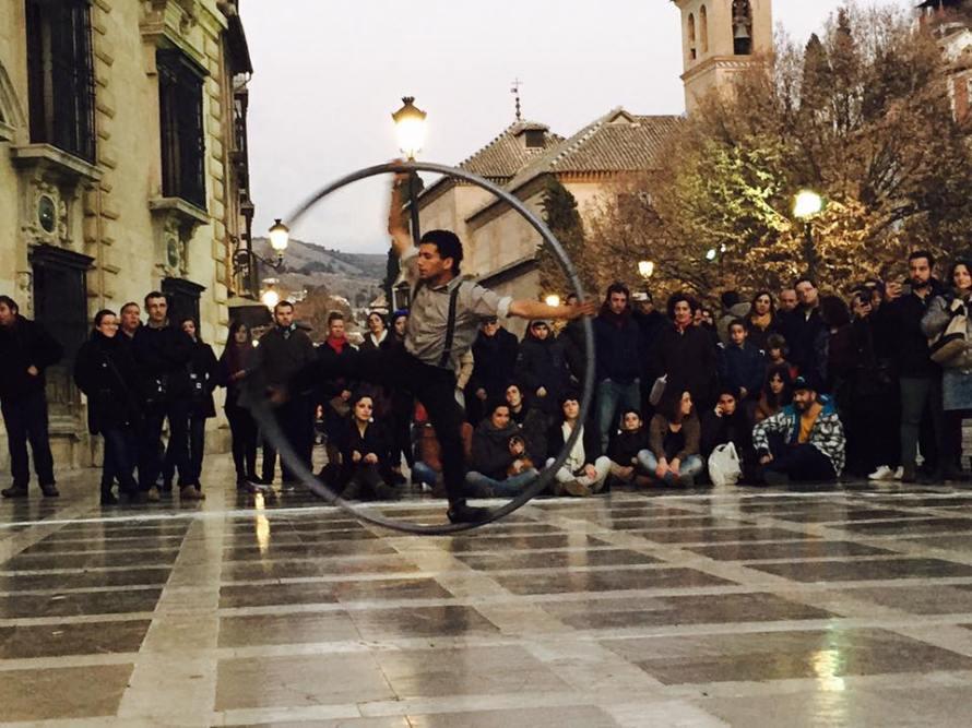 Street performer, Granada, Spain G+ç+¦ Rheu G+ç+¦ Photo 4