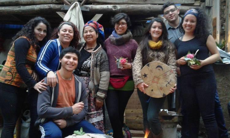 Ñaña Juana with the class. Photo by Lisa Delao.