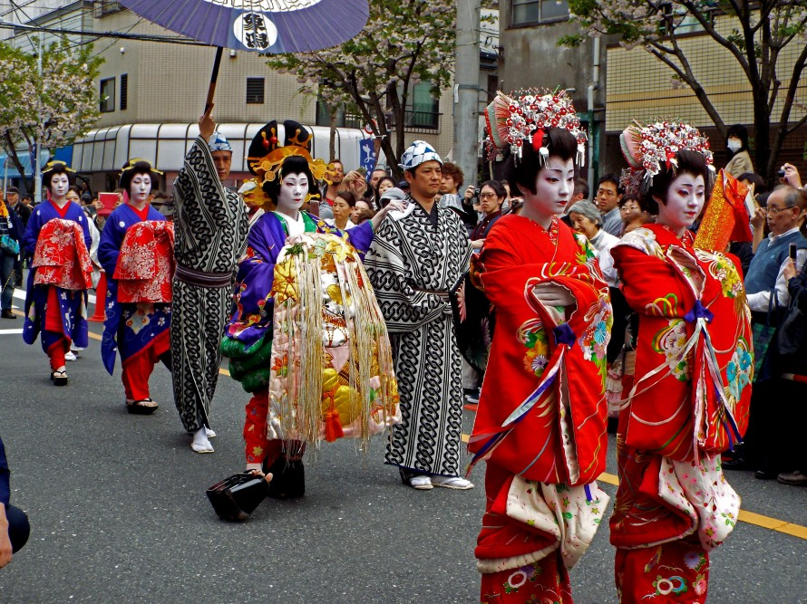 If old-fashioned tradition interests you, head on over to Asakusa for some neat sights.
