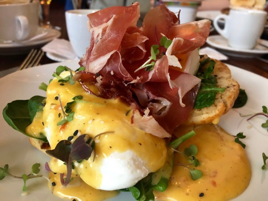 Traditional Eggs Benedict with jamón from Alsur