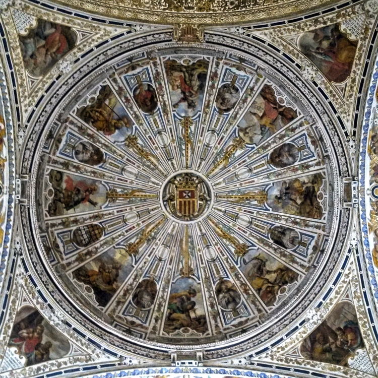 This is the ceiling of the Museo de Bellas Artes. The building itself is a work of art.