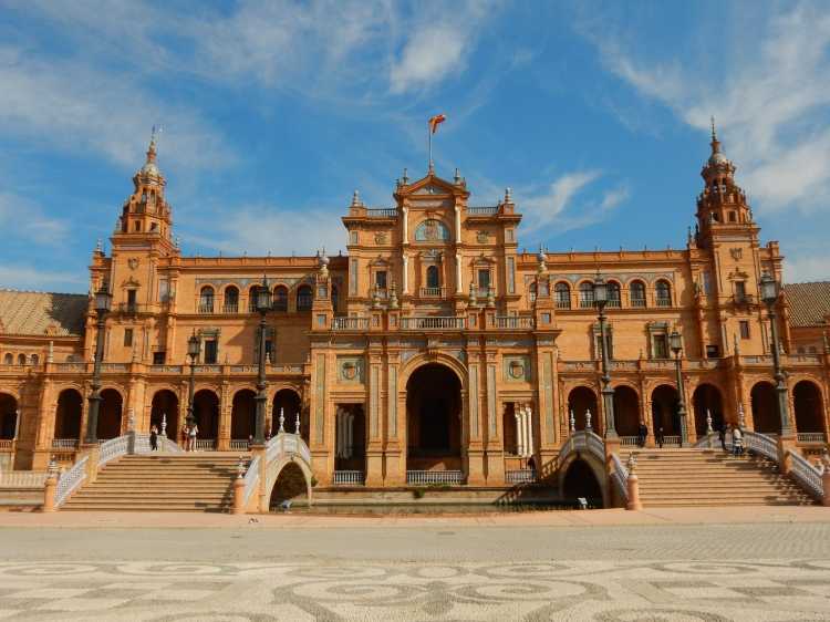 The Plaza de España is beautiful at all times of the day.