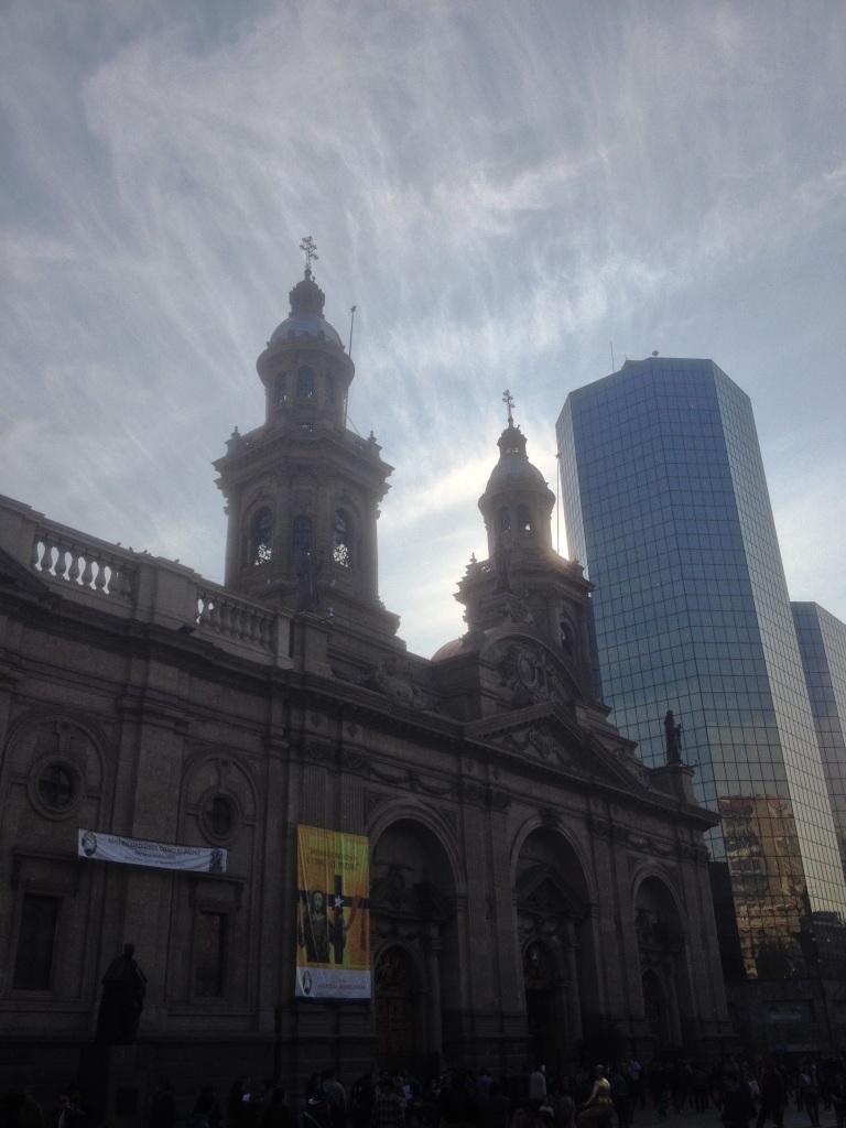 La_Plaza_de_Armas,_Santiago,_Chile,_Miles[1]