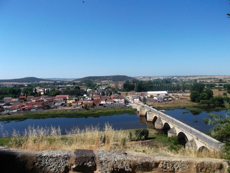 Border with Portugal, Ciudad Rodrigo, Spain, Pineiros