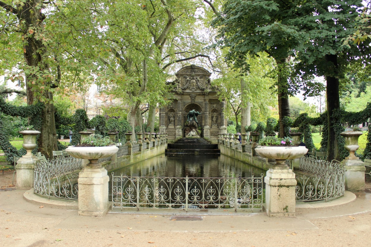 medicifountain_paris_france_alyssajones_photo3