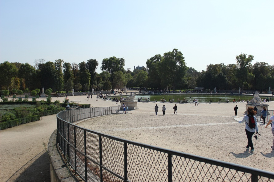 tuileries-entrance_paris_france_alyssajones_photo8