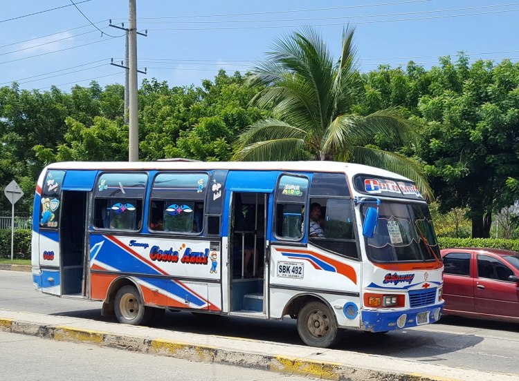 One of the buses that head towards Santa Veronica.