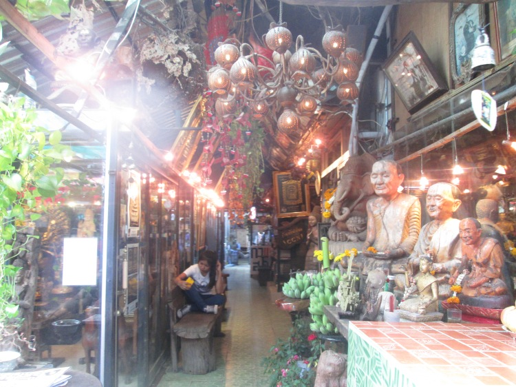 chatuchakmarket_bangkok_thailand_natalieschunk_photo4