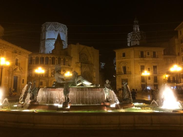 fountain_valencia_spain_giovannalenski_photo4