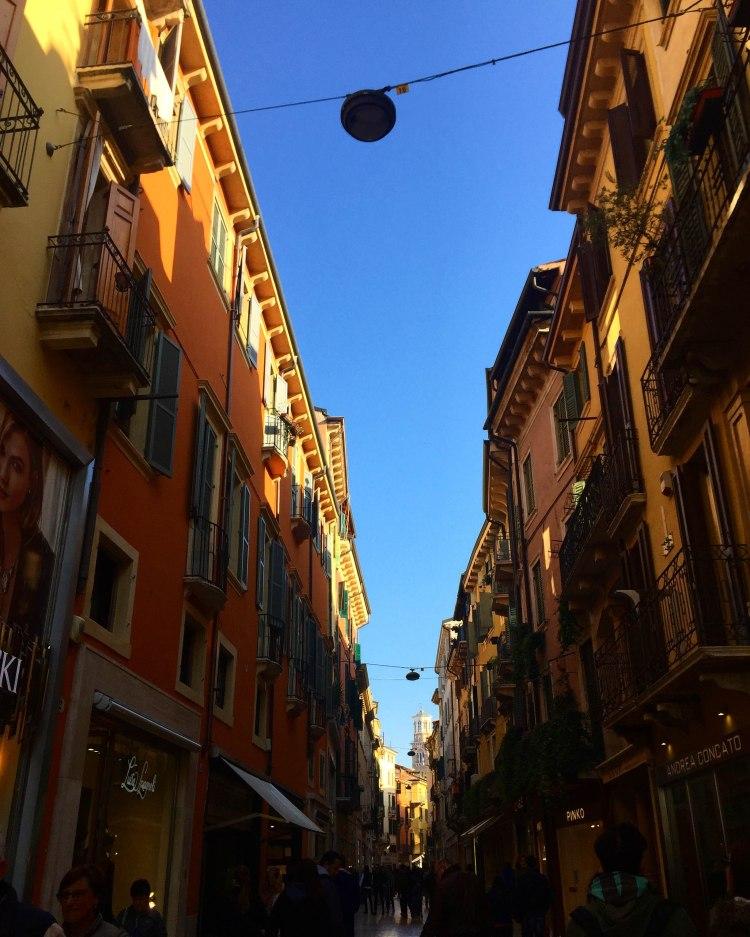 verona-italy-streets-of-verona-annissa-peterson-photo-18