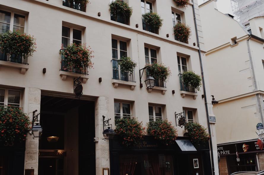 balconyflowers_paris_france_clarissafisher_photo7