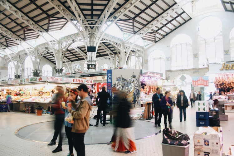 Hustle and bustle in the heart of Mercado Central