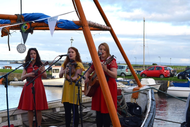 galwaygirls1_dublin_ireland_mollymalkinski_photo8
