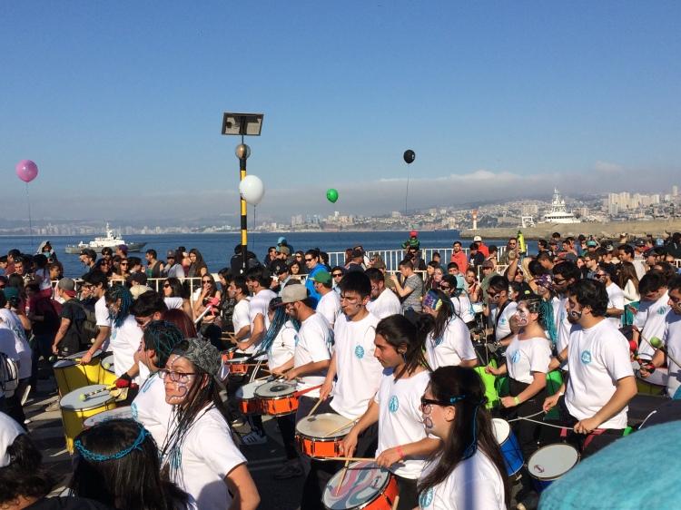 mil-tambores-valparaiso-chile-robison-photo-1