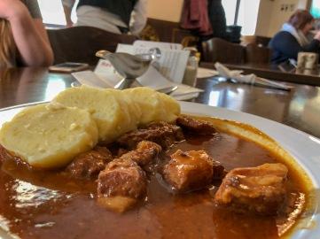 Lokal Food: Guláš