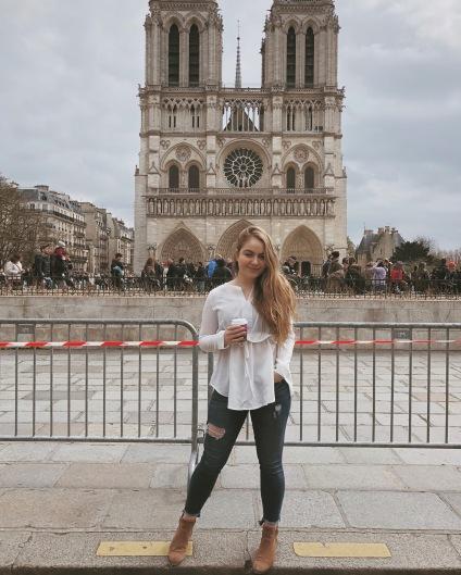 Cathédrale Notre Dame de Paris, my favorite monument.